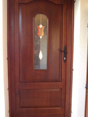 Tömör Tölgy hőszigetelt bejárati ajtó díszüveggel
