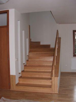 Vöröstölgy lépcső