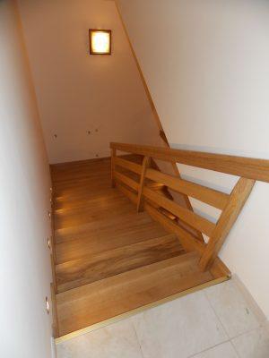 Tölgy lépcső