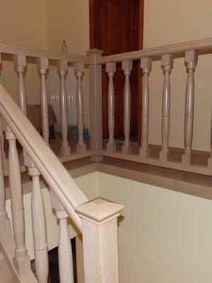 Tölgy lépcsőkorlát pácolva