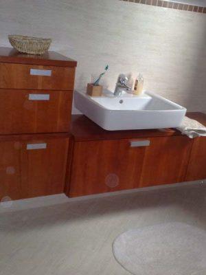 Cseresznye fürdőszoba bútor