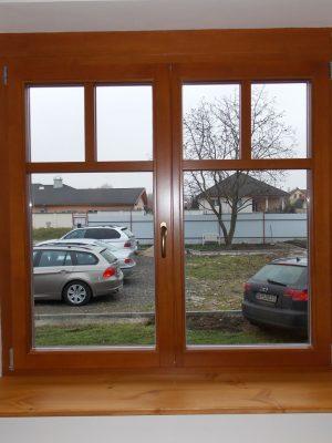 Borovi osztott üveges ablak