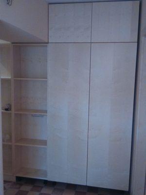 Juhar beépített szekrény