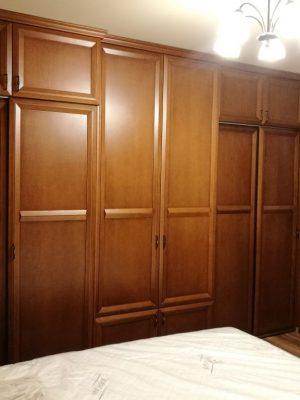 Bükk beépített szekrény